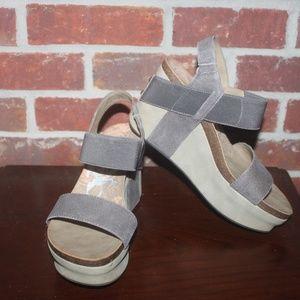 OTBT Gray Suede Bushnell Wedge Sandal 6.5 EUC